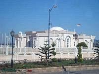 ساختمانی(شاید مسجد) در کنار فرودگاه لاذقیه